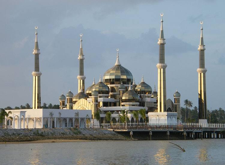 Kryształowy Meczet-Kuala Terengganu Malezja największe meczety ciekawostki