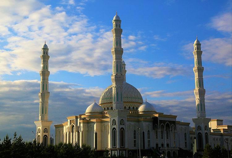 Meczet Sułtana Hazrat Astana Kazachstan największe meczety ciekawostki