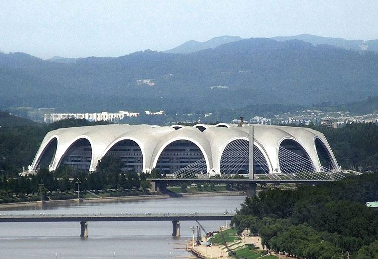 Rungra stadion 1 Maja Korea Północna Pjongjang największe stadiony świata piłka nożna