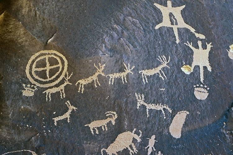 rysunki malowidła naskalne tapeta tapety ciekawostki tapetowanie