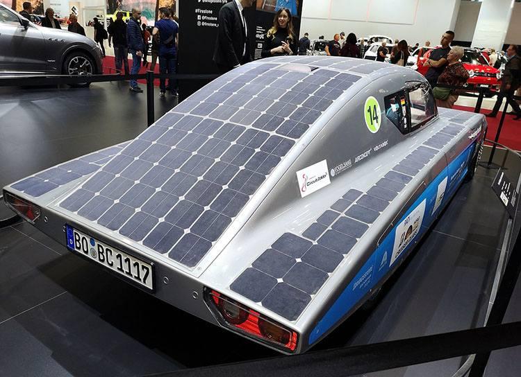 samochód fotowoltaika panele fotowoltaiczne ciekawostki energia historia