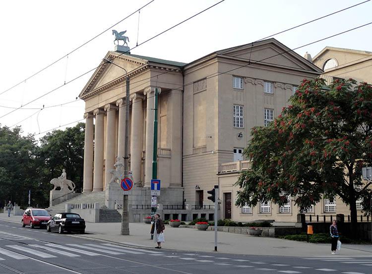 Teatr Wielki Poznań ciekawostki o Poznaniu miasto Wielkopolska