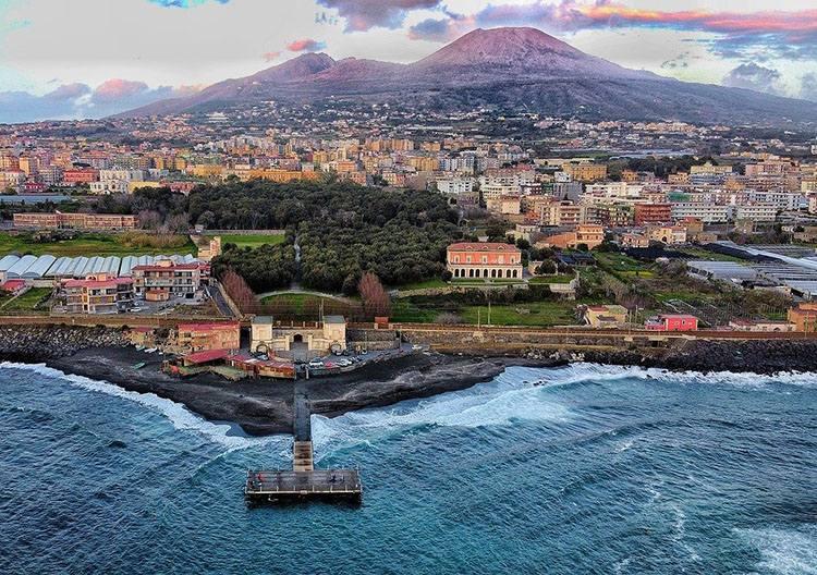 Neapol Napoli Włochy największe miasta Włoch Italia