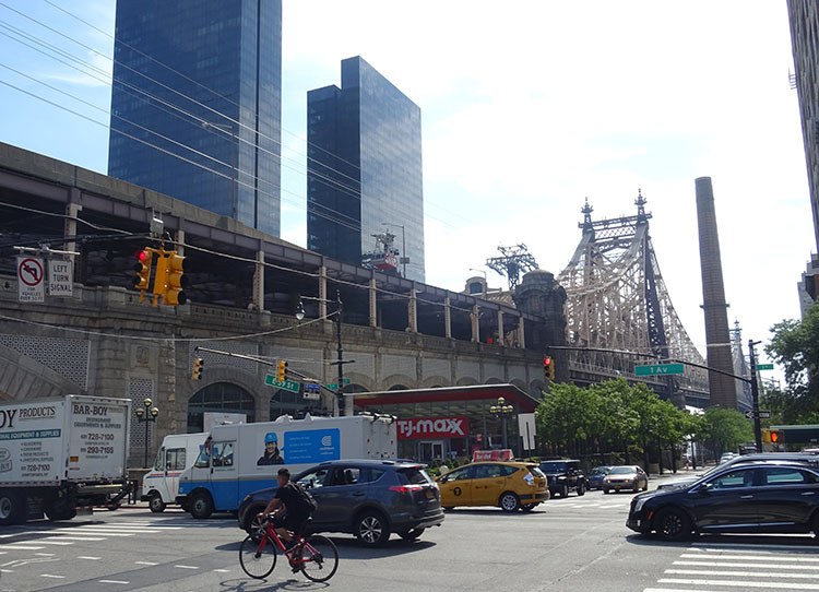 Queensboro Bridge kolejka linowa Roosevelt Island ciekawostki Nowy Jork NYC Manhattan