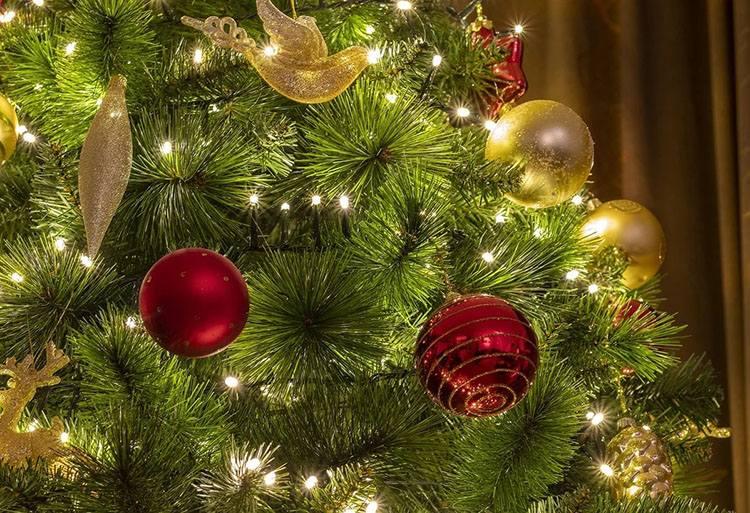 bombki choinkowe zdobienie choinki ciekawostki choinka Bożego Narodzenie  Wigilia
