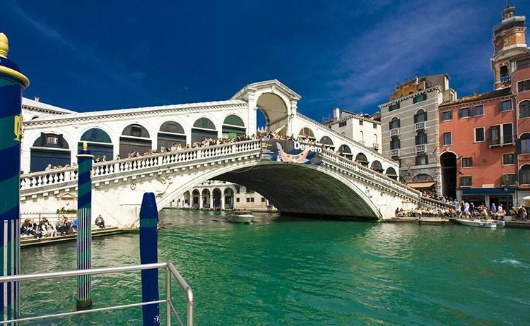 Most Rialto Wenecja ciekawostki Włochy zabytki