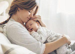 połóg kobieta dziecko macierzyństwo