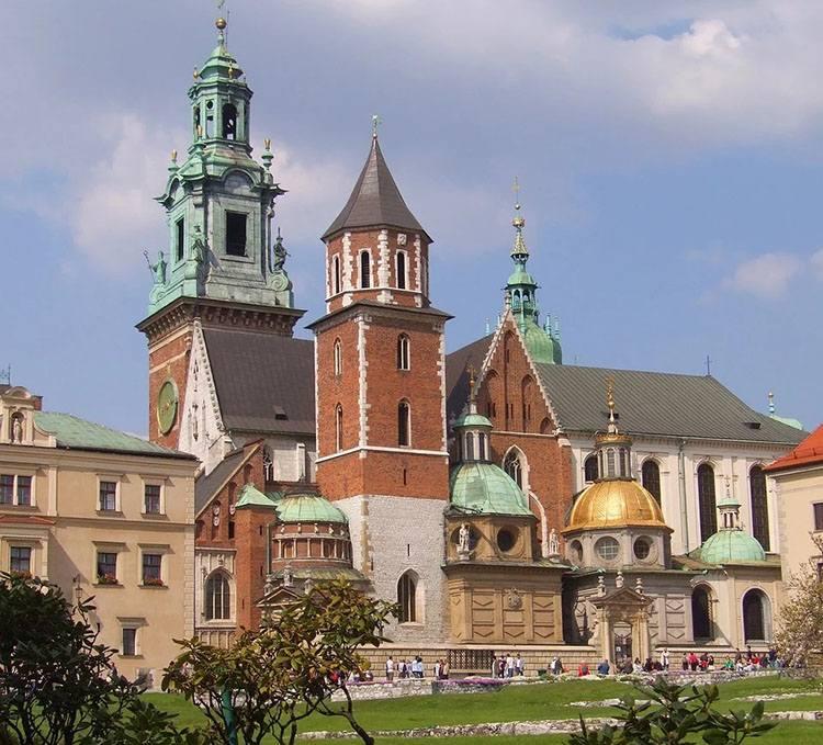 Wawel zamek królewski na Wawelu zabytki atrakcje