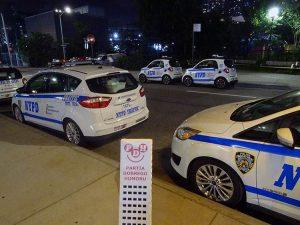 noc ulica samochody policyjne policja USA ciekawostki Hudson Yards Nowy Jork