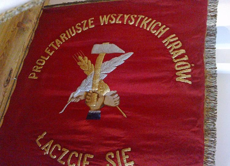 socjalizm Muzeum PRL ciekawostki sztandar