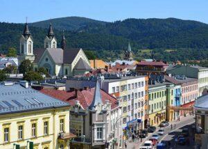 Sanok ciekawostki ulica Kościuszki budynki góry widok panorama miasto
