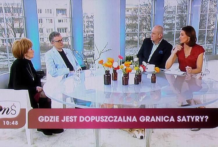 granice satyry satyra TVP program telewizyjny satyryk Szczepan Sadurski rozmowa stół