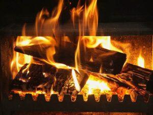 kominek czyszczenie komina ogrzewanie sezon grzewczy