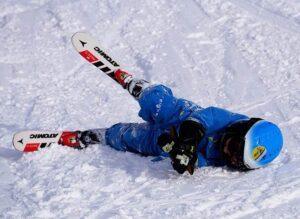 narty dla dzieci śnieg kombinezon