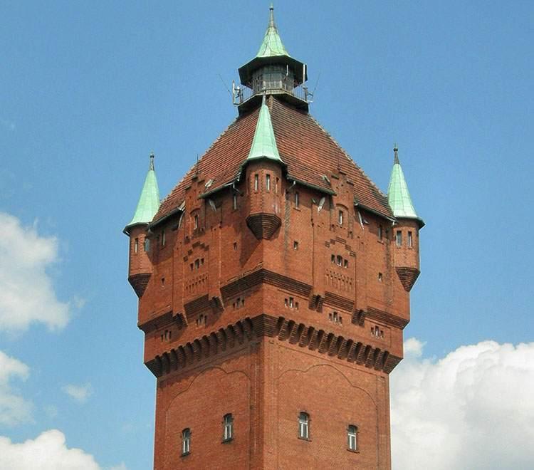 wieża ciśnień Śrem ciekawostki informacje zabytki