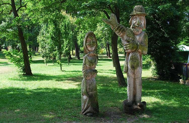 miasto Dziwnów park rzeźby