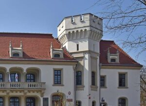 Jasło ciekawostki zabytki atrakcje wieża pałacu