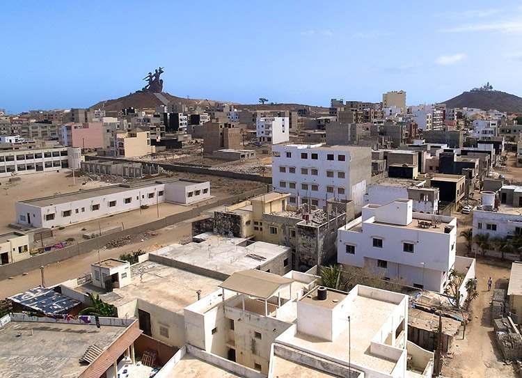 Afrykański Pomnik Renesansu Dakar Senegal domy