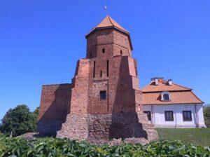 Liw zamek dworek atrakcje siedleckie zabytki