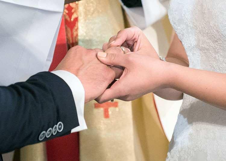 ksiądz obrączki  organista na ślub cena oprawa muzyczna ślubu