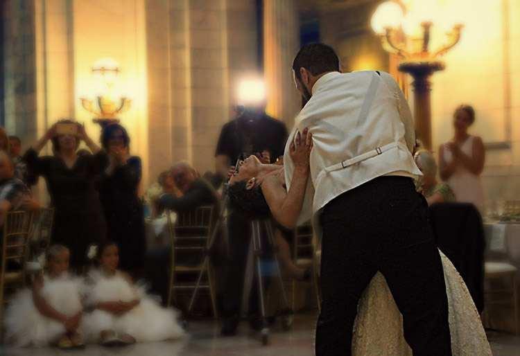 pierwszy taniec wesele goście wesela zabawa weselna parkiet