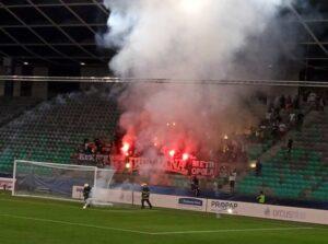 Stozice Stadium Ljubljana petardy strażacy