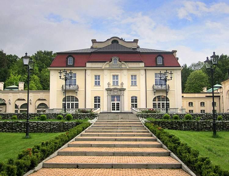 Pałac Goetza Brzesko pałace na wesele event Wielkopolska