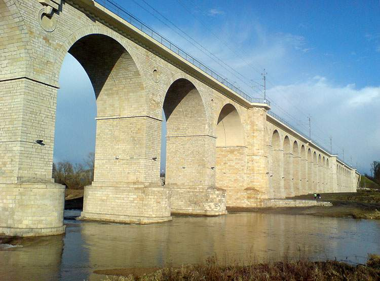 wiadukt kolejowy Bolesławiec ciekawostki atrakcje