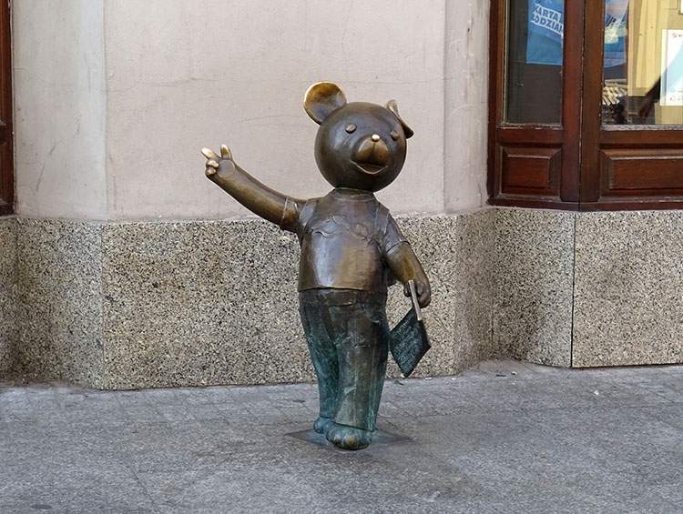 Łódź Bajkowa minipomnik Miś Uszatek Łódź atrakcje dla dzieci