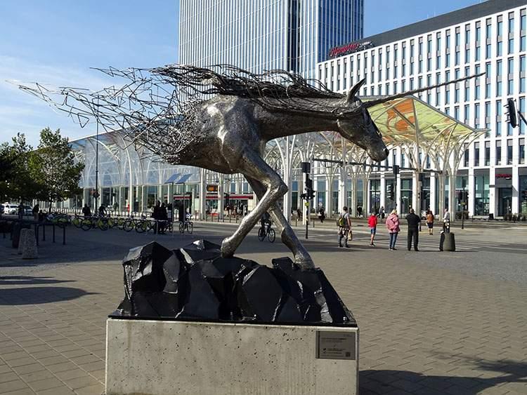 jednorożec Łódź atrakcje pomnik