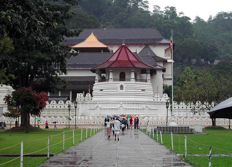 Kandy Świątynia Zęba Sri Lanka ciekawostki o Sri Lance