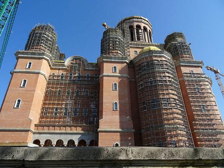 Katedra Zbawienia Narodu Bukareszt atrakcje ciekawe miejsca zabytki co warto zobaczyć Rumunia