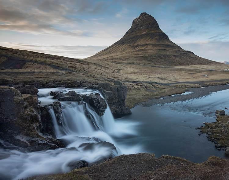 góra Kirkjufell Islandia atrakcje ciekawostki
