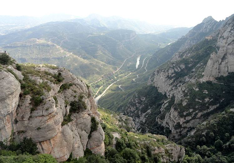 góry panorama Montserrat Katalonia ciekawostki Hiszpania Barcelona