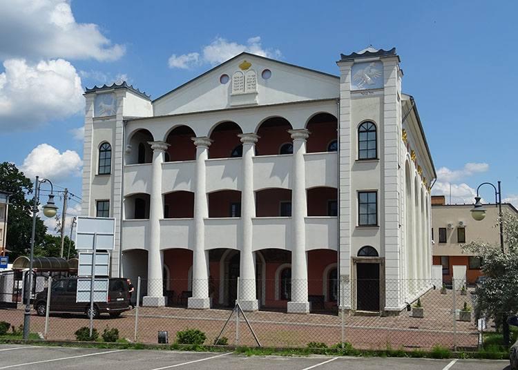 synagoga Dąbrowa Tarnowska ciekawostki atrakcje zabytki