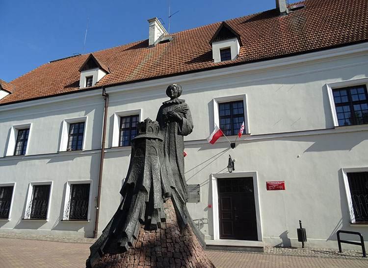 Brodnica pałac Wazówny pomnik Anna Wazówna
