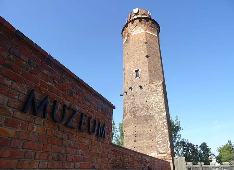 Brodnica zamek krzyżacki wieża zabytki