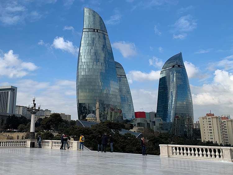 Ogniste Wieże wieżowce stolica Azerbejdżanu