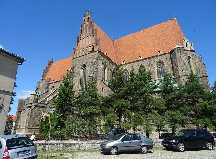 bazylika kościół św. Piotra i Pawła Strzegom ciekawostki