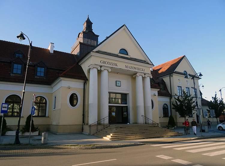 dworzec kolejowy Grodzisk Mazowiecki ciekawostki