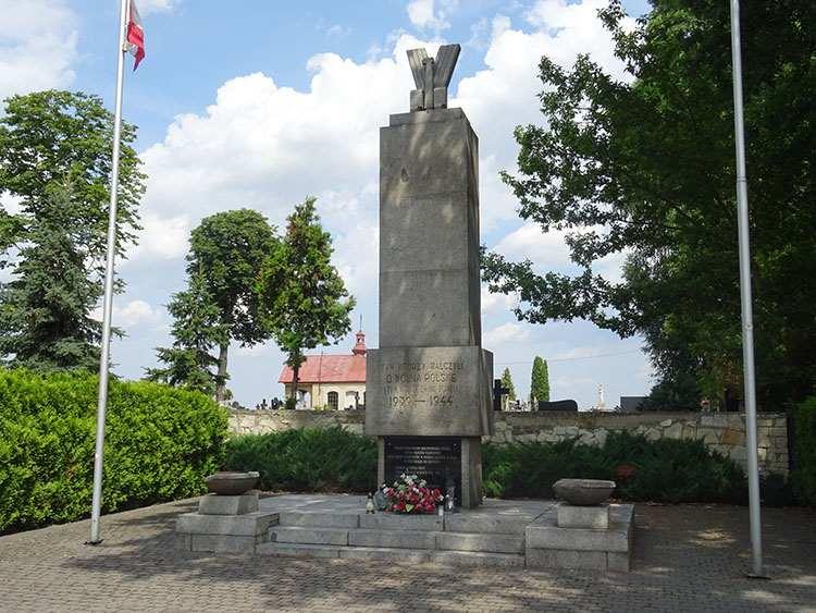 pomnik Piaski ciekawostki atrakcje zabytki woj. lubelskie