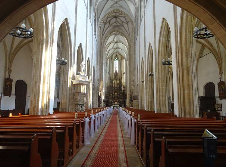 wnętrze bazylika kościół św. Piotra i Pawła Strzegom ciekawostki