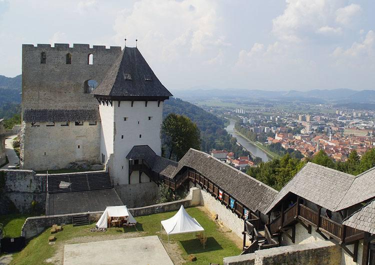 Celje zamek Słowenia ciekawostki atrakcje zabytki
