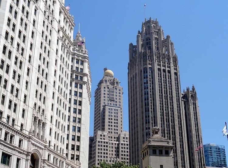 Tribune Tower wieżowiec Chicago ciekawostki atrakcje