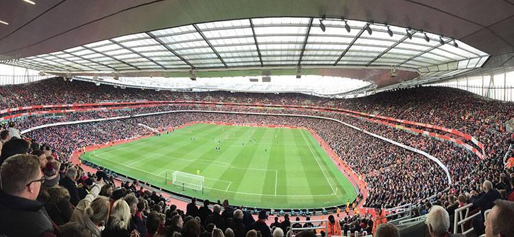 stadion Emirates Stadium Arsenal Londyn największe stadiony Anglia piłka nożna Premier League